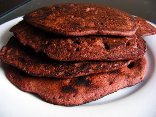 beet-carob-pancakes-3