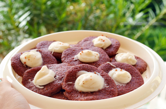 vegan-red-velvet-cookies-1