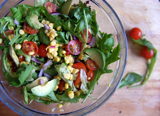 sweetcorn-cherry-tomato-avo-salad