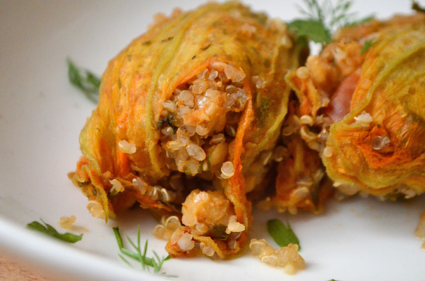herb-quinoa-stuffed-zucchini-blossoms-vegan-3
