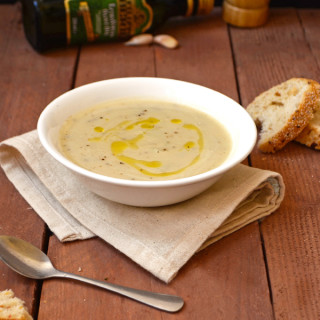 vegan-cauliflower-rosemary-soup-1