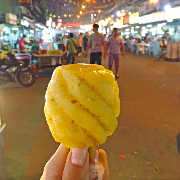 hawker-stalls-pineapple