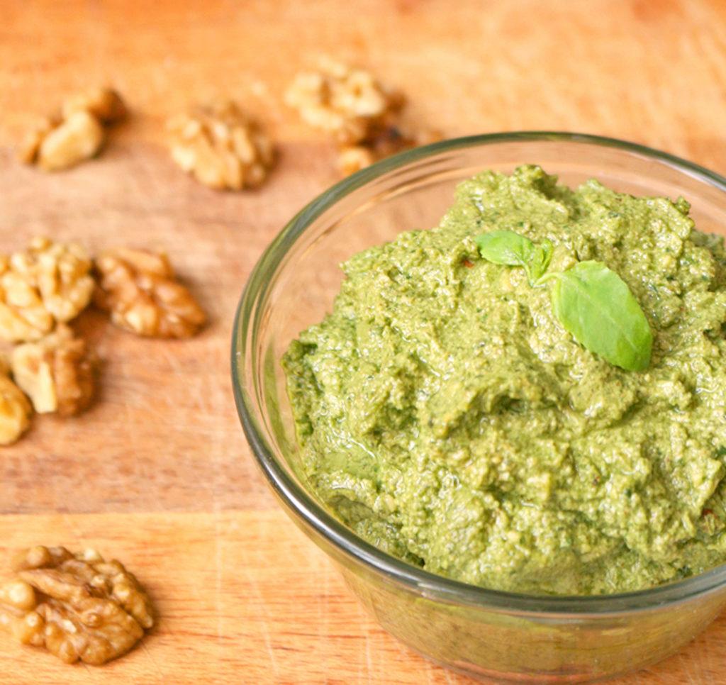 vegan-walnut-pesto-2