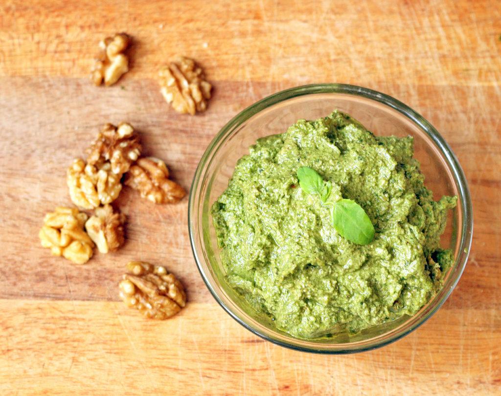 vegan-walnut-pesto-4
